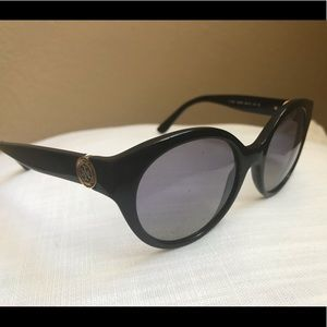Tory Burch Sunglasses without case